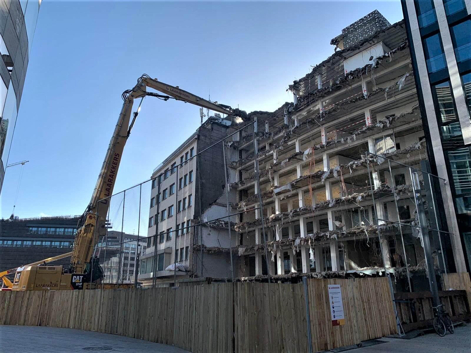 Sloop, asbestverwijdering en grondwerk - Schreibenwarengeschäft Hennig - Laarakkers (4)
